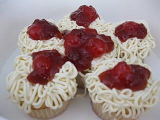spaghetti cupcakes @createdbydiane