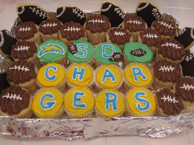 chocolate football frosting on vanilla cupcakes charger cupcakes chocolate icing on football shaped cookies
