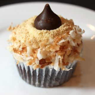 coconut s'more cupcakes