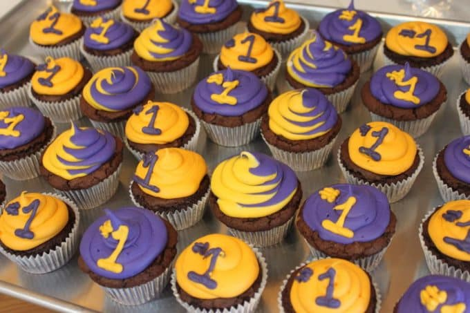 LAKERS two tone purple and gold brownie Cupckaes