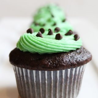 Chocolate Chip Mint Cupcakes-1