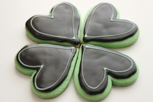 Mint-Cut-Out-Cookies-with-Dark-Chocolate-Glaze-Icing-530x353