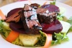 Grill sirloin steak Salad with beets (cattleman's finest)
