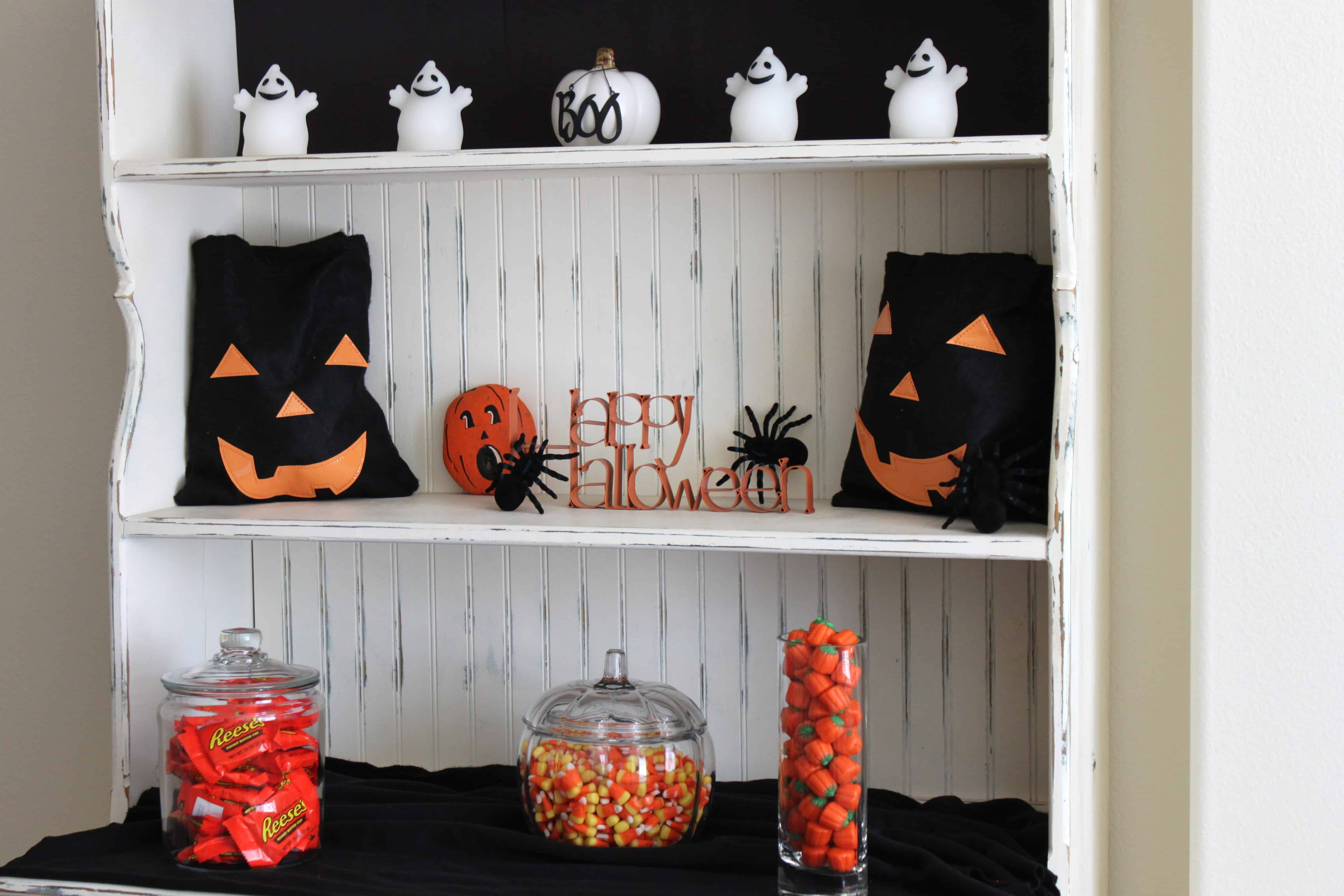 halloween party decorations created by diane. Black Bedroom Furniture Sets. Home Design Ideas