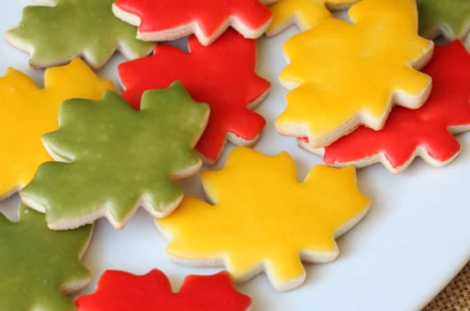 easy way to ice cookies with NO piping bag createdbydiane.com
