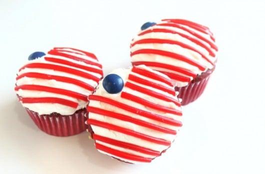 veterans day cupcake