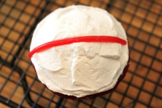 how to make easy flag cupcakes