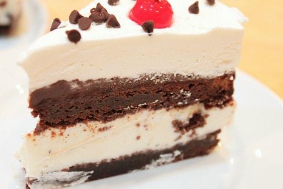 Hot fudge Sundae Ice Cream Cake @createdbydiane | Created by Diane