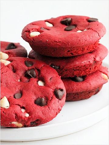 red-velvet-deep-dish-cookies-358
