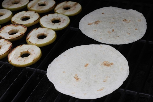 grilled apples and tortillas