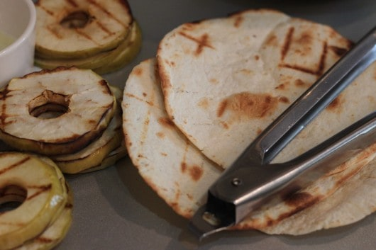 grilled apple and tortillas