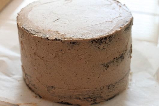 crumb coat on cake