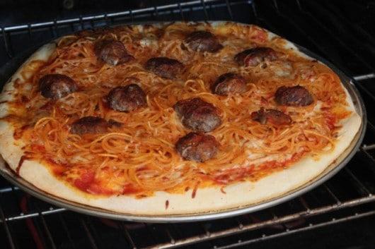 spaghetti and meatball pizza 1