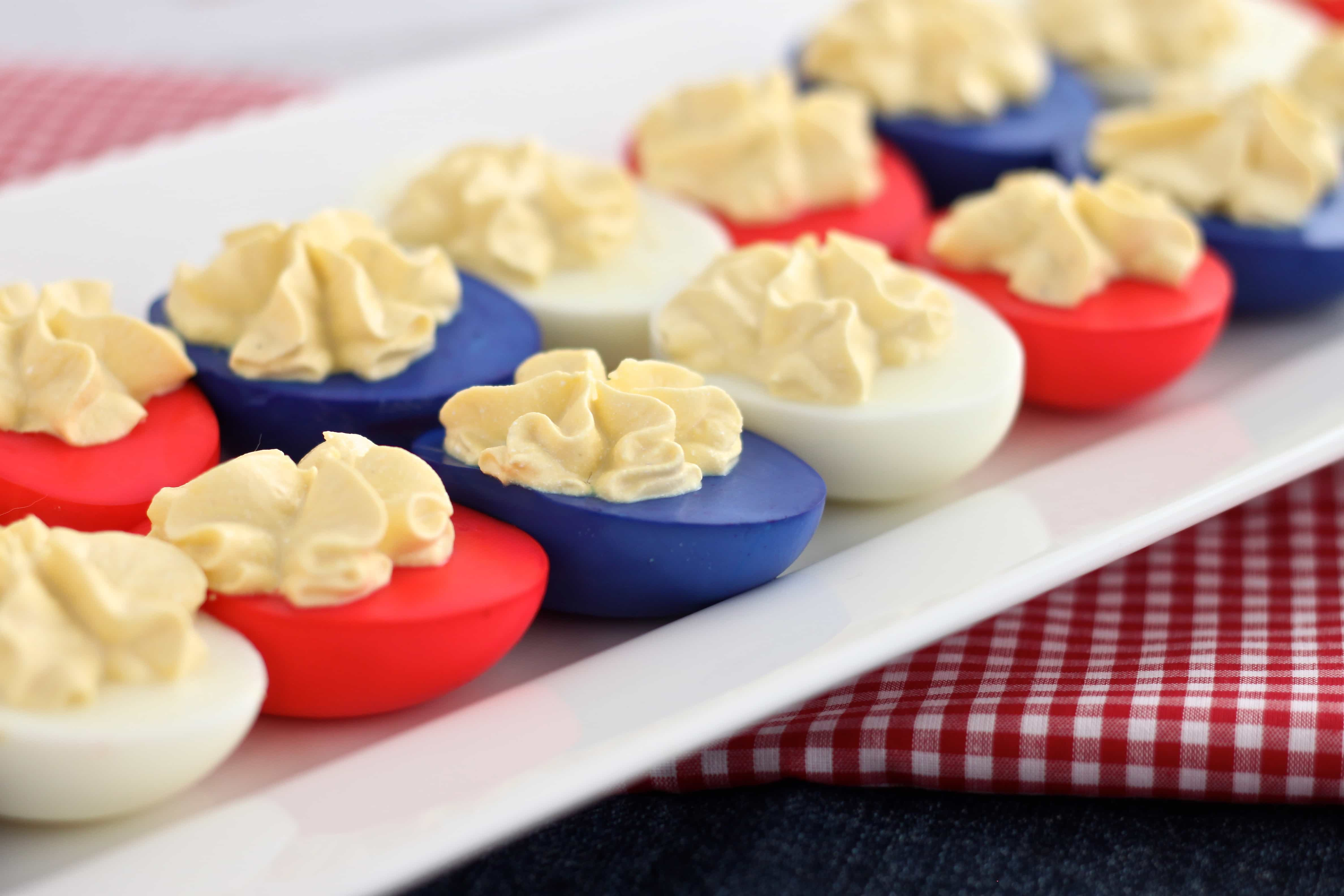 How to Color and Prepare Skinny Deviled Eggs @createdbydiane