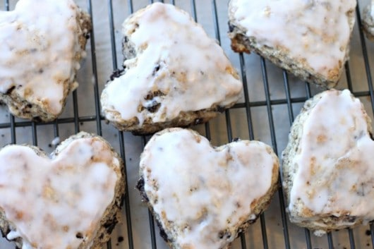 glazed oreo scones.jpg