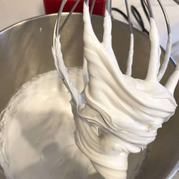 making royal icing with meringue powder createdbydiane.com