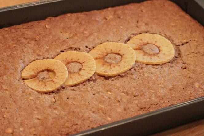 Cinnamon Apple Oatmeal Bars @creatdbydiane.jpg