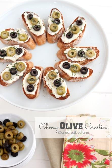 Cheesy Olive Crostini @createdbydiane #calripeolives