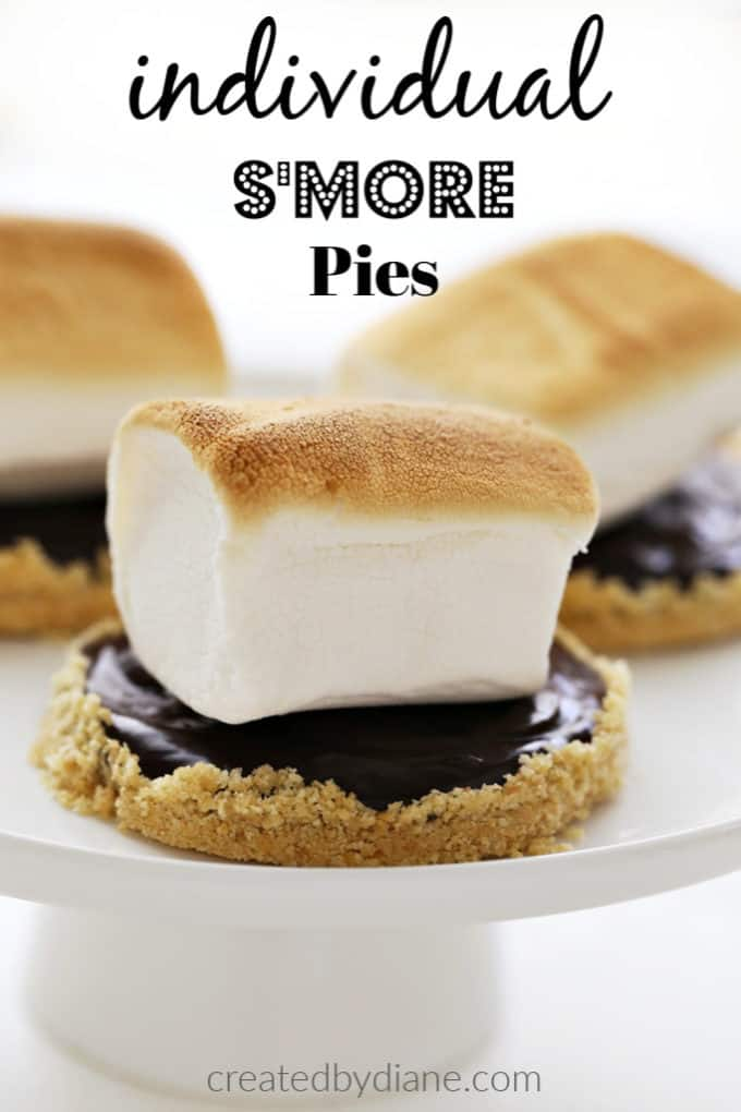 mini mason jar lid individual s'more pies createdbydiane.com
