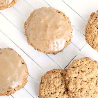 Banana Maple Oatmeal Cookies