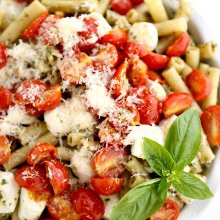 Pesto tomato mozzarella pasta recipe @createdbydiane