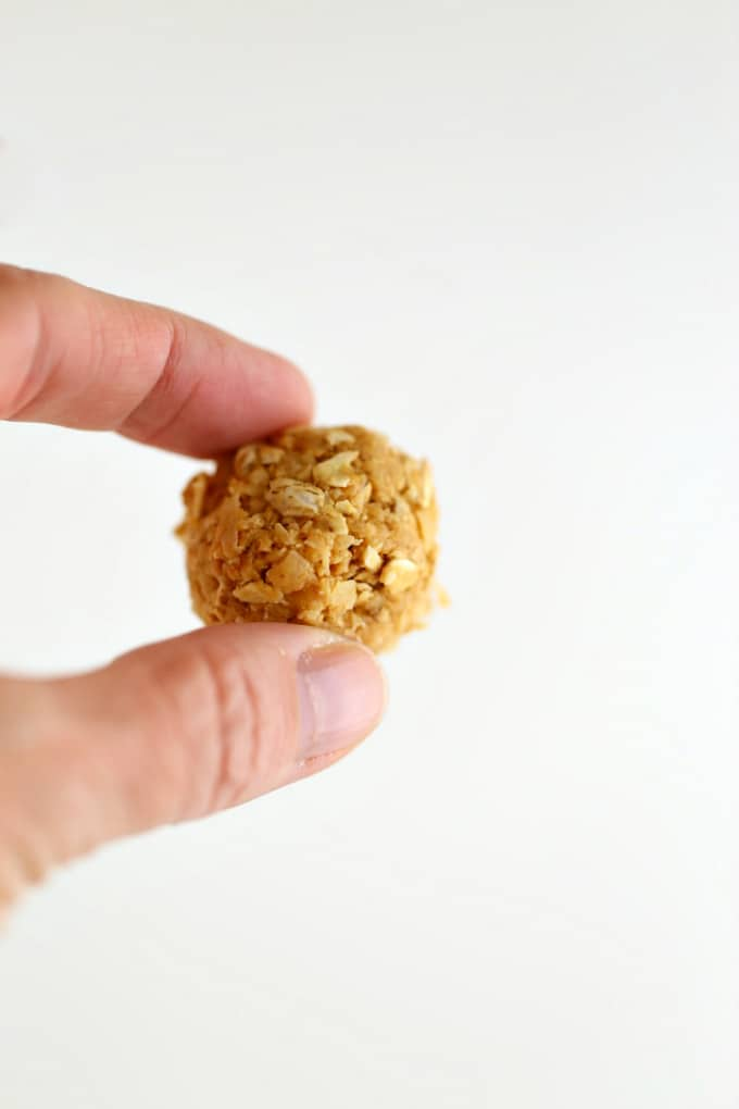a low cal, healthy fat snack great for dieting, eating better for results www.createdbydiane.com