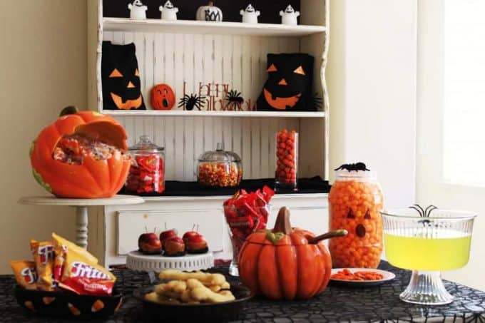 halloween party ideas and trick or treater hand outs