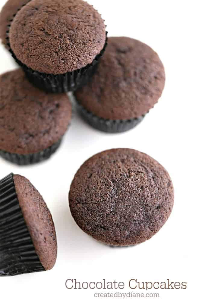12 chocolate-cupcakes-createdbydiane.com